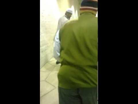 Dr.Zakir Naik spotted on Saudia Arab airport riyadh