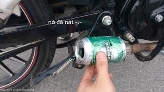 thử gắn lon bia vào bô xe máy nổ xé tai