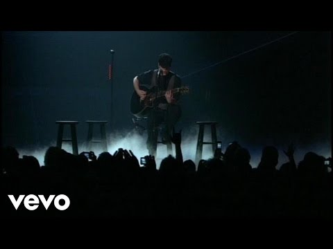 Fall Out Boy - Golden (Golden (Live From UCF Arena))
