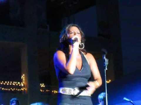 Sara Evans - No Place That Far Live Rockford Illinois