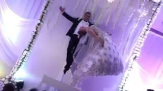 بالفيديو- هذا ما فعله ساحر تونسي وعروسه في حفل زفافهما