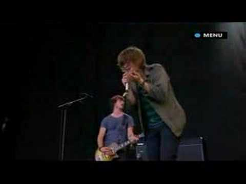 Paolo Nutini Performs Jenny Don't Be Hasty Glastonbury 2007