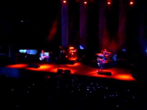 Maroon 5 - Live Bogotá - The Sun