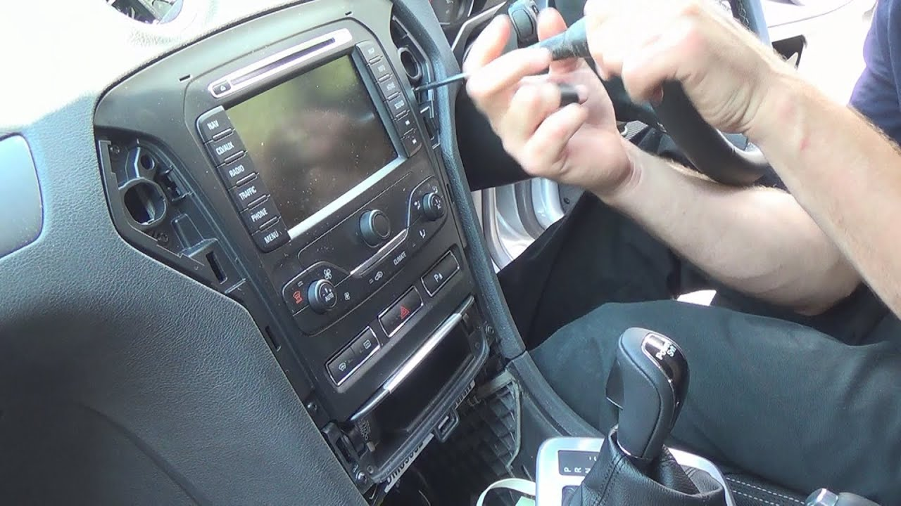 radio removal ford mondeo 2007 2013 justaudiotips. Black Bedroom Furniture Sets. Home Design Ideas