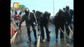 Followers of Prophet Owuor wash roads with soap