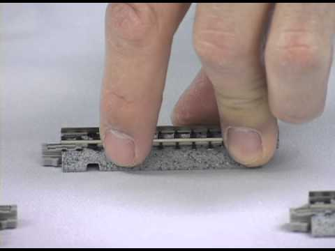 Model Railway Train Track Plans-How to set up and run the Kato N scale Metra passenger train set