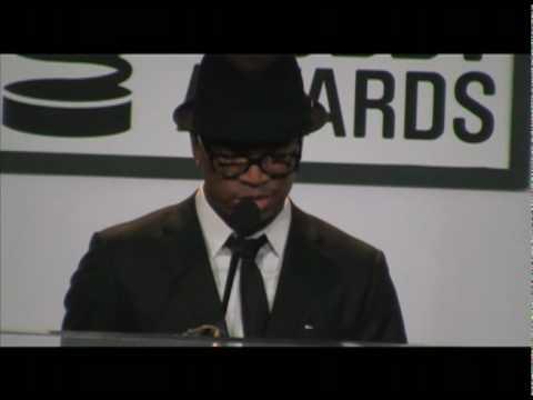Ne-Yo Presenting at The 2010 Webby Awards to P.S. 22 Chorus