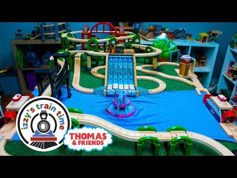 Thomas and Friends | Thomas Train Harbor Table Track | Fun Toy Trains for Kids with Brio