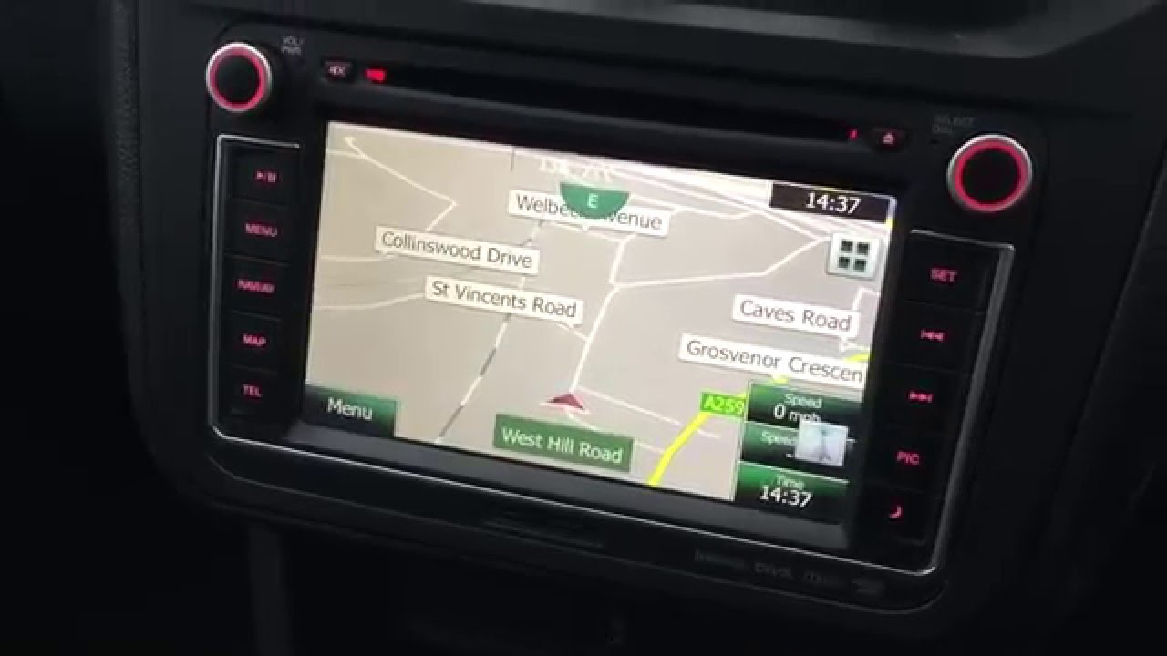 vw caddy 2015 reversing camera installation shows on vw clarion dealer head unit [ 1280 x 720 Pixel ]