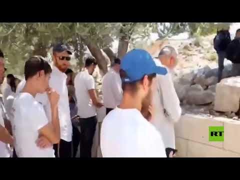 اليهود يؤدون -صلاة صامتة- في الأقصى