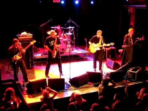 The Sonics - Money (That's What I Want) (Live in Helsinki 29/11/09)