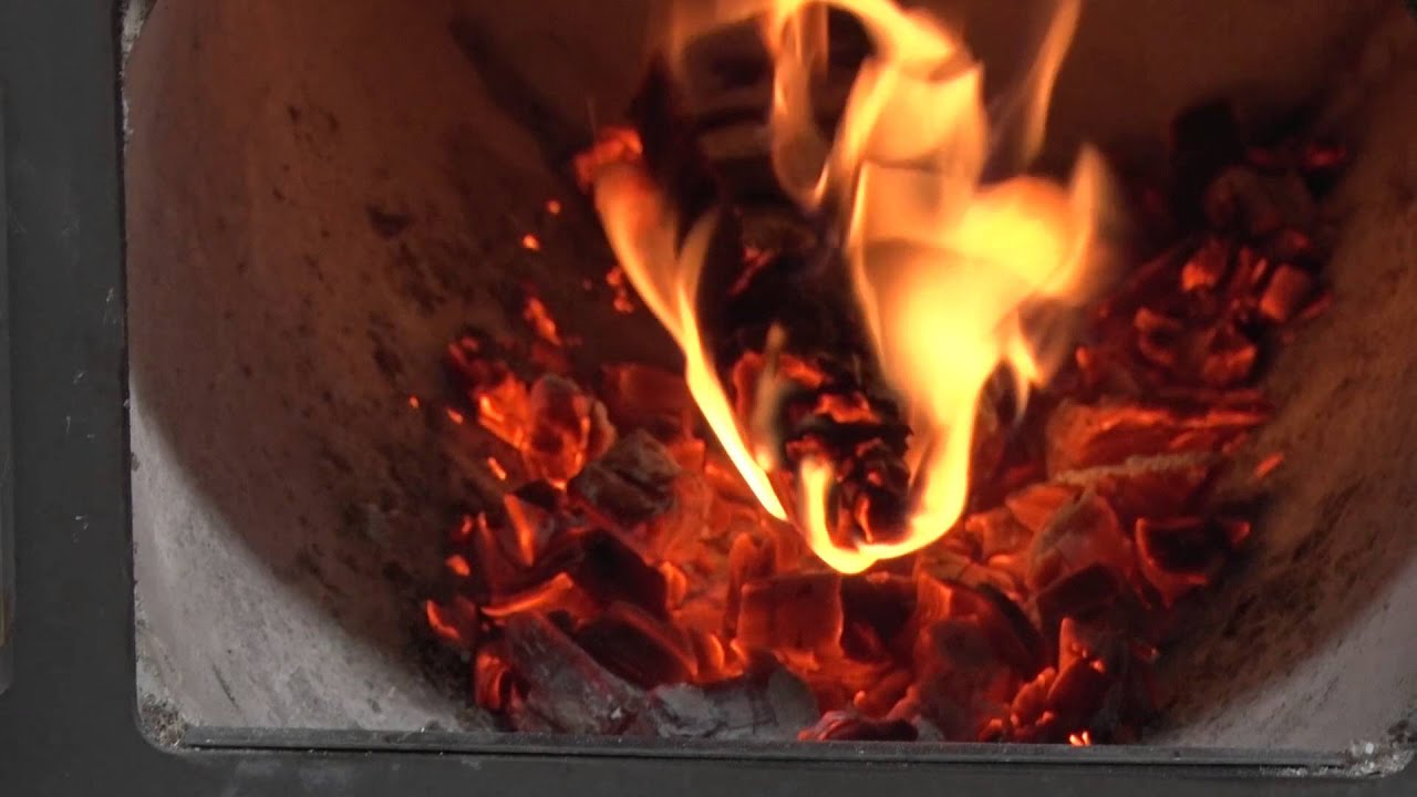 How to achieve an overnight burn in a Pyroclassic IV wood fire ...