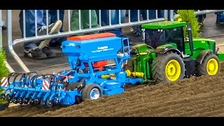 RC tractor John Deere in 1:8 scale! Amazing technology! BIG thing!