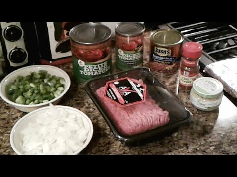 How to make chili.  LIVE !!! ( Lazy man's chili )