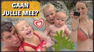 BABY ZWEMMEN OP VAKANTiE! 💦 | Bellinga Familie Vloggers #1082