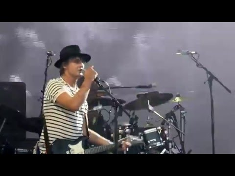 The Libertines - Can't Stand Me Now [Live at Glastonbury Festival, Pyramid Stage - 26-06-2015]