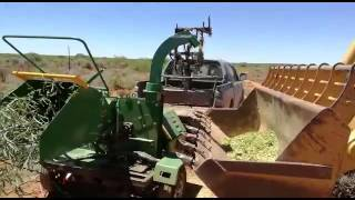 Wood chipper with self power DWC 40