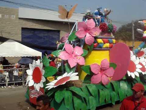 Batalla De Flores Carroza Del Carnaval De Los Niños Y