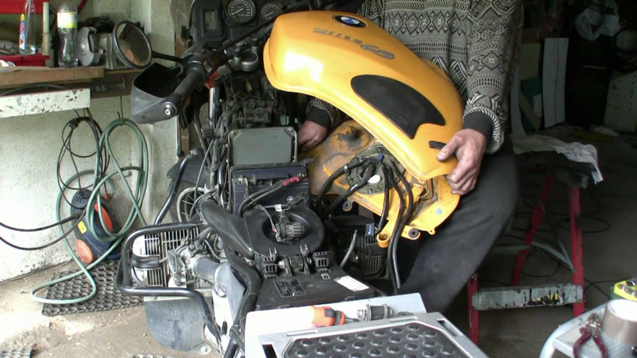 Bmw R4v Fuel Filter Replacement Filtr Paliwa Wymiana