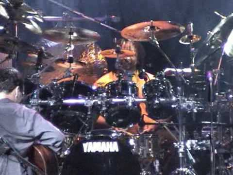 Carter Beauford Drum Solo - Dave Matthews Band (Two Step)