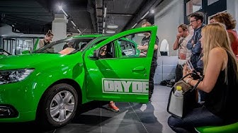 Dacia Sandero Fahrzeugübergabe – 10 Jahre DayDeal.ch Jubiläumsangebot