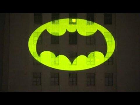 Um Batman No Ceu De Los Angeles Youtube