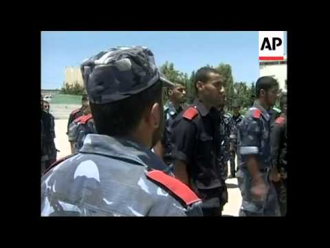 Hamas police allow media into training compound