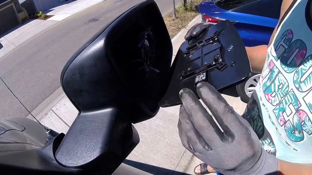 Truck side mirror glass replacement