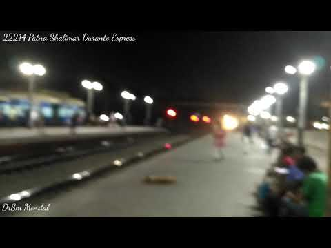 22214 Patna Shalimar Duranto Express passing through RJPB terminal at high speed