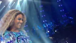 "Melbourne teacher serenades Beyonce. MRS CARTER WORLD TOUR 2013. ""Halo"""