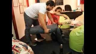 Как собрать офисное кресло(Источник — http://yarbula.ru/video/mebel_i_interer/4799/ Показываем как правильно шаг за шагом собрать типовое офисное кресло...., 2014-03-18T11:08:23.000Z)