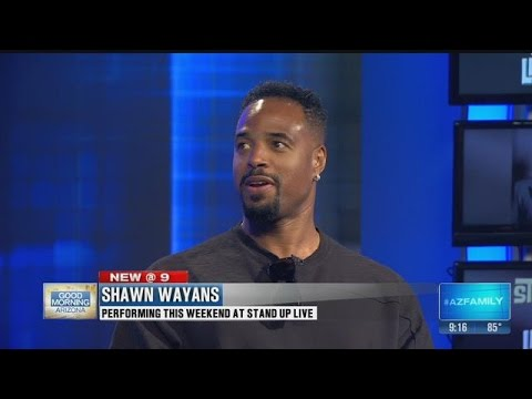 Comedian Shawn Wayans performing at Stand Up Live