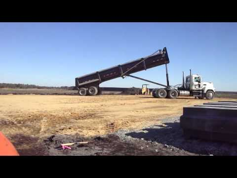 Tractor trailer Dumping