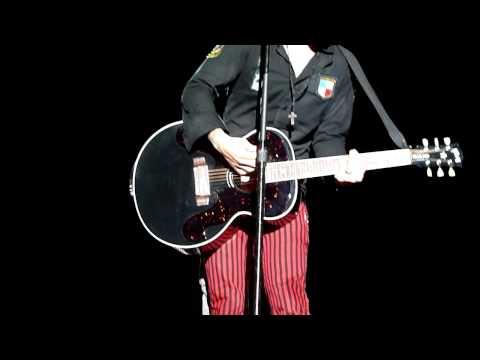 Green Day - Whatsername Live Ccs Vzla 2010 HD (Dan)