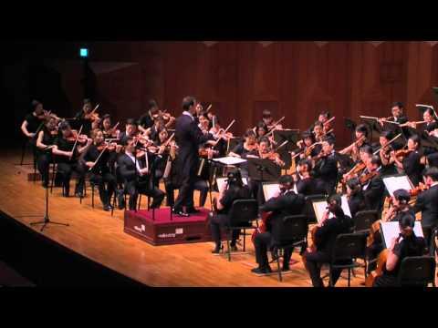 Constantin Trinks and Seoul Philharmonic perform Schumann Symphony No. 2 C-Major