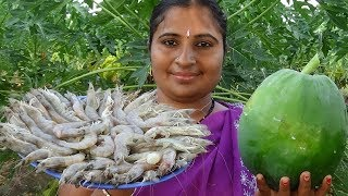 Cooking Raw Tiger Prawns Curry In Papaya Andhra Style | Yummy Prawn Masala Curry Recipe | Sea Foods