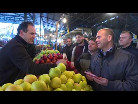 Maksim Dimitrievski vo poseta na pazar Kumanovo