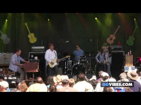"""Donna The Buffalo performs """"Conscious Evolution"""" at Gathering of the Vibes Music Festival 2014"""