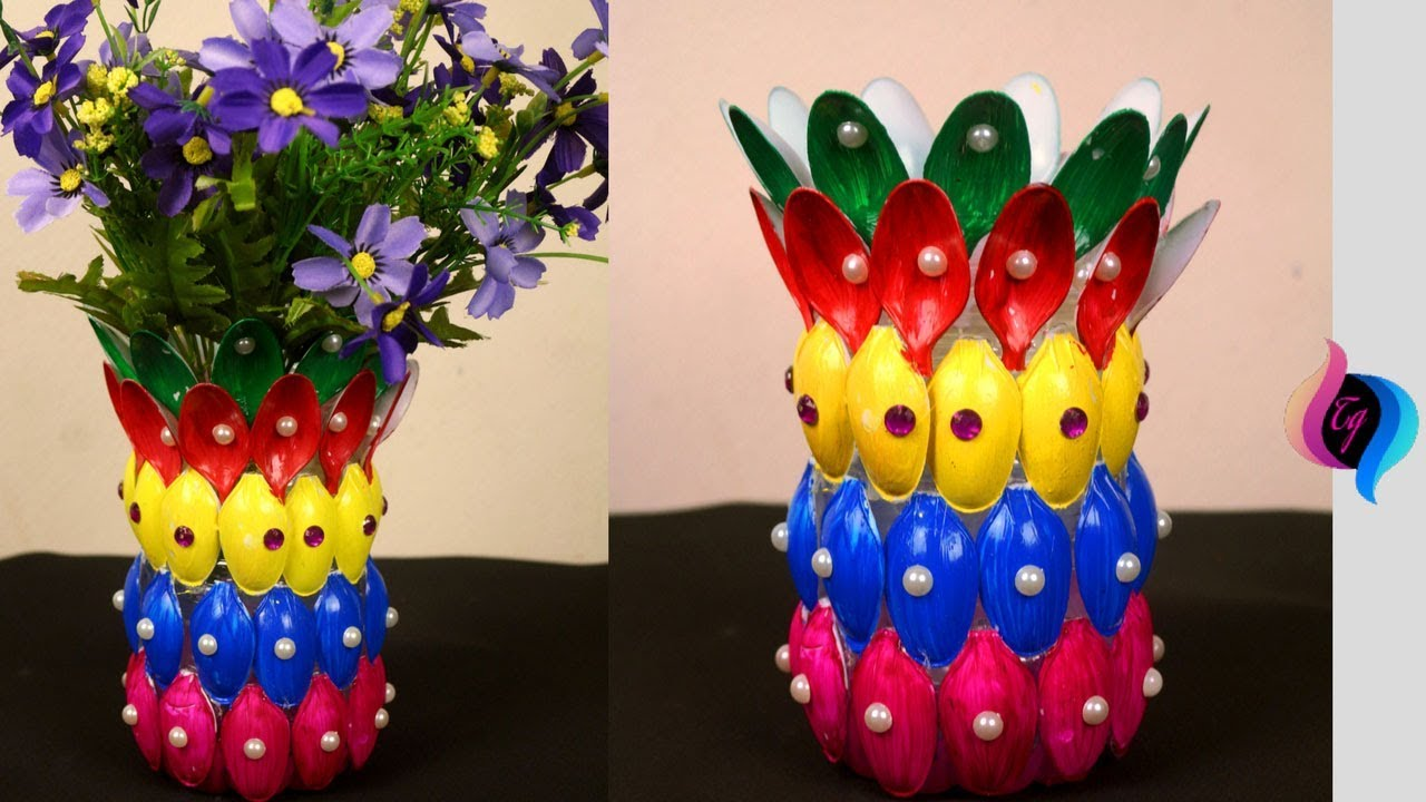 diy - flower vase of recycled plastic spoons - easy crafts made with