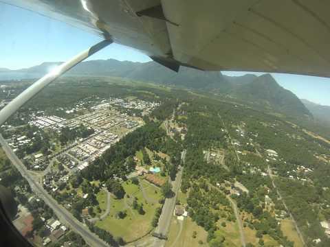 Pucon 2013 Vuelo avioneta alrededor Pucon y sobre Volcan Villarica part 1/3