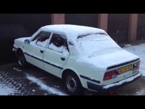 Skoda 105 s Cold start in winter