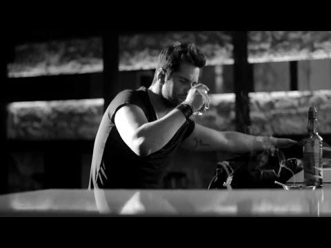Γιώργος Τσαλίκης - Κοίταξε με φεύγω | Giorgos Tsalikis - Koitakse me feugo - Official Video Clip