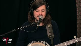 """Mumford & Sons - """"Guiding Light"""" (Live at WFUV) Video"""