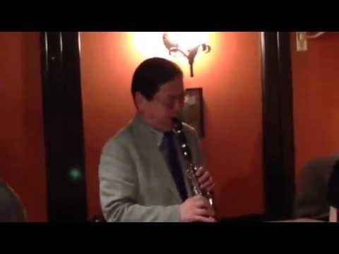 Twilight Special Jazz & Bar em's Pro-Ama Quartet (e-PAQ)I'll remember April)