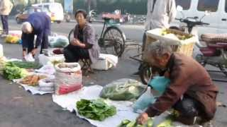 Longest SuperMarket in the World? 2v16_China real 084[stab.]_Qixia_Street Morning Market