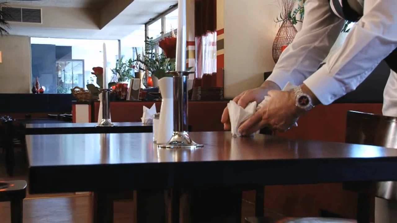 Tisch eindecken - Á la carte fachgerecht erlernen ...