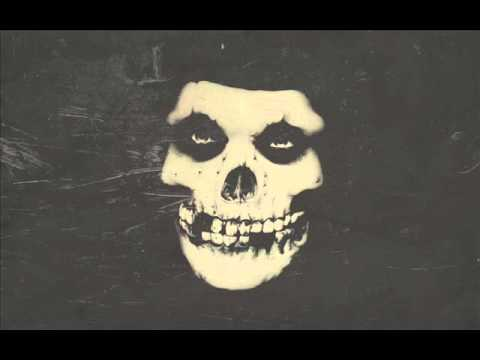 Misfits - Last Caress (lyrics on the screen)