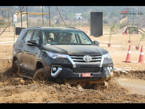2016 Toyota Fortuner Off-road Drive