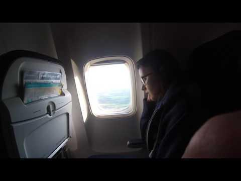 West Jet Landing in Dublin Ireland  Boeing-737-700ER EStops