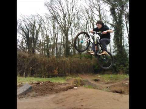 dirt jump comber